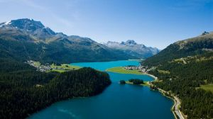 The Engadin Valley is famous for its sunny climate, beautiful landscapes and outdoor activities